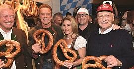 Arnold Schwarzenegger, Dj Otzi e Niki Lauda. questi mastini non mancano mai