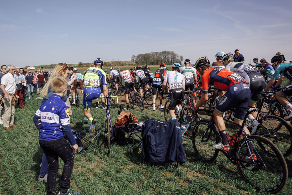 paris roubaix crash first sector pave solowattaggio